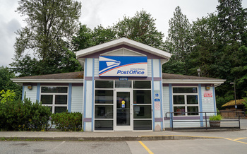 Nearly 60% of U.S. post offices are located in ZIP codes that have either a single bank branch or none at all.  (MelissaMN/Adobe Stock)