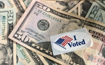 A new bill in the U.S. Senate would allocate $5 billion to help states make voting easier and more convenient. (Dodgerton Skillhause)