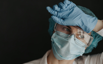 One in six coronavirus patients in Oregon is a health-care worker. (Mikhaylovskiy/Adobe Stock)