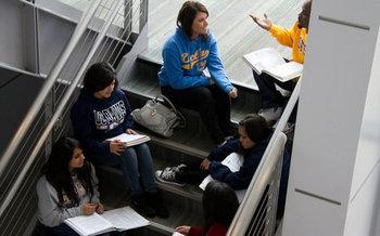 Los líderes estudiantiles piden ayuda a los administradores de universidades de California, incluyendo acceso continuo a los servicios de salud de los campus y asistencia para estudiantes con discapacidades. (Campaign for College Opportunity)