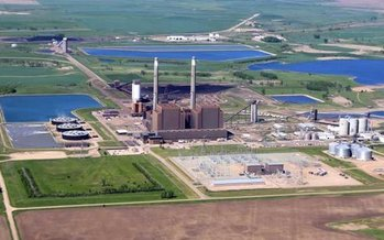 Coal Creek Station, North Dakota's largest coal plant, has been operating since 1979. (mnopedia.org)