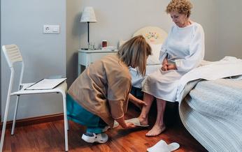 En el estado de Washington los cuidadores pudieron asegurar $2.56 adicionales por hora en pago por riesgo en Julio, Agosto y Septiembre. (David Pereiras/Adobe Stock)