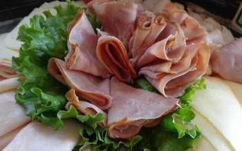 Experts advise staying away from finger foods like cold cuts, and from