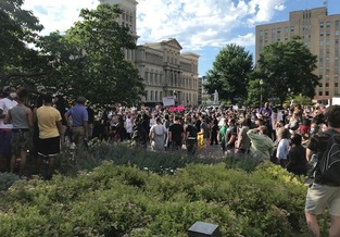 Day and night, protesters have gathered in downtown Louisville over the death of Breonna Taylor. (Nadia Ramlagan)