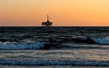 President Donald Trump signed an executive order extending a moratorium on oil drilling off the shores of Florida, Georgia and South Carolina. (Pixabay)