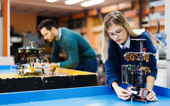 There are more than 1,000 two-year community and technical colleges scattered across the United States. (Adobe Stock)