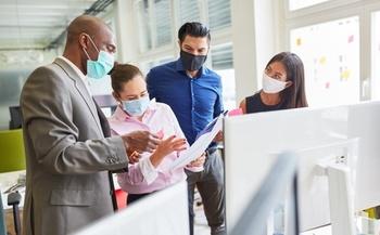 Una encuesta encontró que 43% de los negocios de Indiana planean utilizar empleados el año próximo para desempeñar funciones adicionales del trabajo. (AdobeStock)