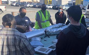 Clases como ésta, sobre tecnología de calefacción, ventilación y aire acondicionado (HVAC), ofrecen habilidades que ayudarán a conectar a los trabajadores de California con los empleos.