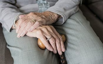 Advocates are calling for reform at nursing homes in light of failures during the pandemic. (Sabinevanerp/Pixabay)