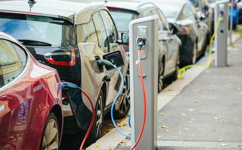 Although it ranked sixth in the country among states, a new report gives Washington's electric-vehicle policies a score of 54 out of 100. (scharfsinn86/Adobe Stock)
