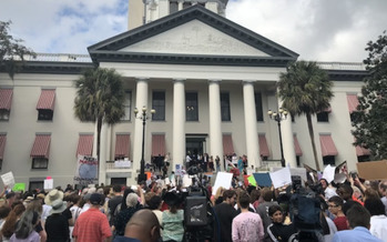 Current Florida law prohibits offering voters assistance within 100 feet of polling locations. HB 7041 would expand that zone to 150 feet and prohibits giving