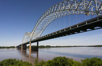The Hernando de Soto Bridge, which crosses the Mississippi River between Arkansas and Tennessee, is now closed indefinitely. (Adobe Stock)