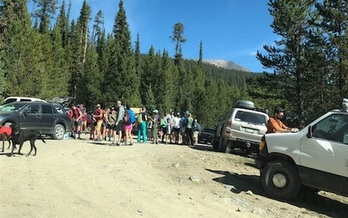 An increase in people visiting public lands during the pandemic in 2020 led to gridlock in some states and locations, according to the U.S. Forest Service. (MarciaGilles/pewtrusts.org)