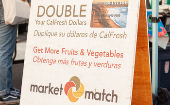 The Market Match program doubles CalFresh dollars that recipients can spend at farmers' markets, which benefits the farmers as well as the shoppers. (Ecology Center)