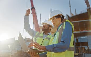 En 2019 sólo el 5% de los ingenieros eran Negros y sólo ek 6% eran Latinos, de acuerdo a un reporte reciente. (Gorodenkoff/Adobe Stock)