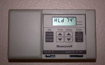 PHOTO: Thermostat
