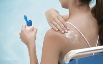 PHOTO: Woman with sunburn.