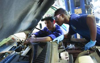 Auto Mechanics Workshop<br />Photo Credit: The Annie E. Casey Foundation