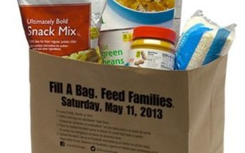 PHOTO: Letter carriers across the state and the nation will be picking up food donations left by mailboxes on Saturday.