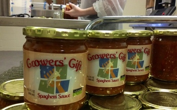 Growers' Gift Spaghetti Sauce is made of ingredients gleaned from Arkansas farms, and it's being sold to support gathering produce for the state's hungry. PHOTO from the Arkansas Hunger Relief Alliance.