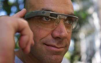 PHOTO: Google Glass (above), although not yet available to the general public, joins smart watches, wrist phones and all kinds of wearable cell phones and digital devices as highly desirable consumer products with the approach of the holiday season. Scientists are issuing health warnings, however. Courtesy Wikipedia.org.